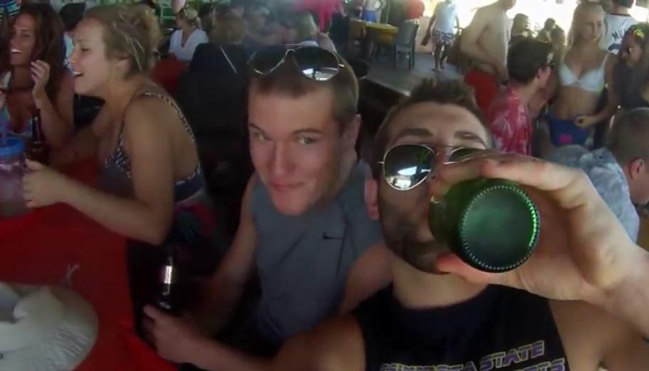 por el alcohol