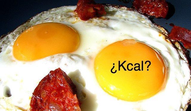 calorias que tiene un huevo
